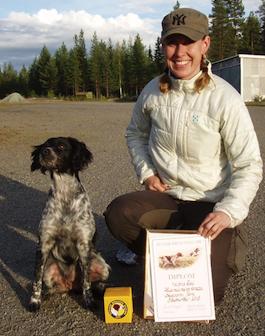 Nyblivna jaktchampion Krozza med förare/ägare Lina Andersson